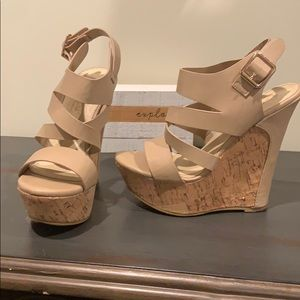 🌸🌹Nude Wedges🌹🌸